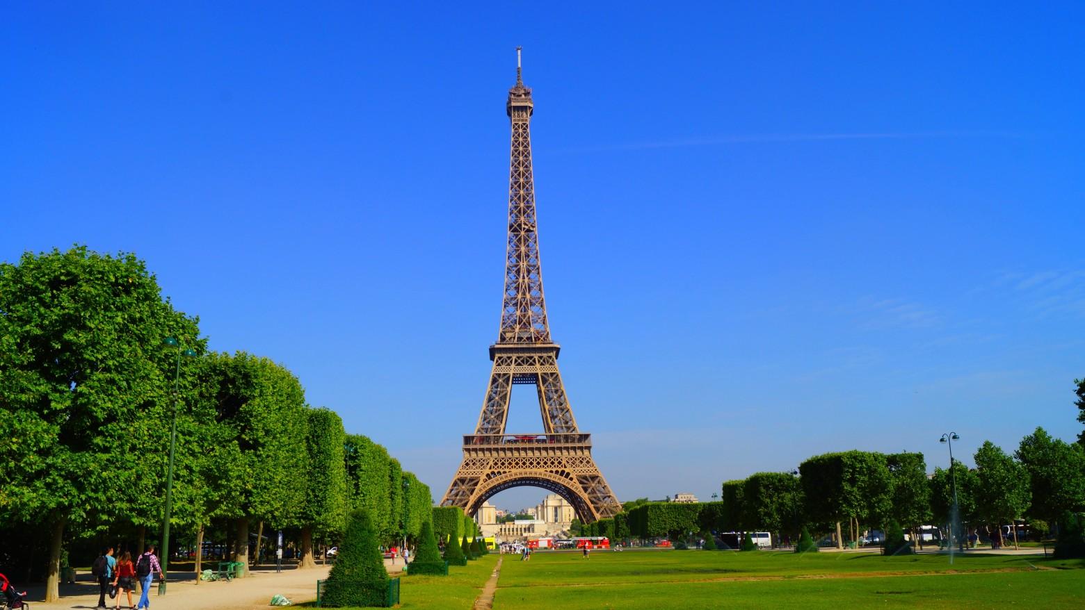 La tour eiffel paris france images gratuites et libres - Tour eiffel photos gratuites ...