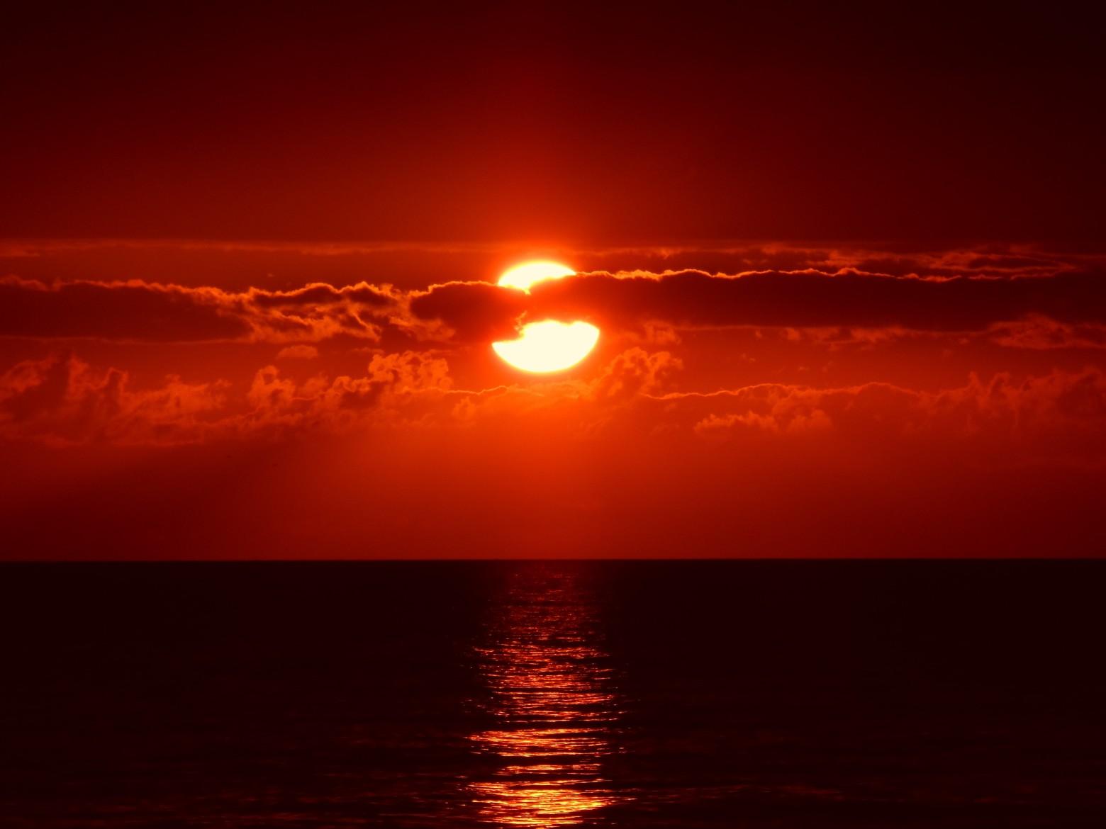 Beau coucher de soleil rouge images gratuites et libres - Soleil rouge aubagne ...