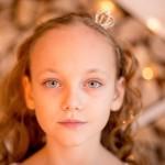 photos gratuites : enfant, fillette, belle, jolie, mignonne, yeux bleus, blonde, adorable, portrait, visage,