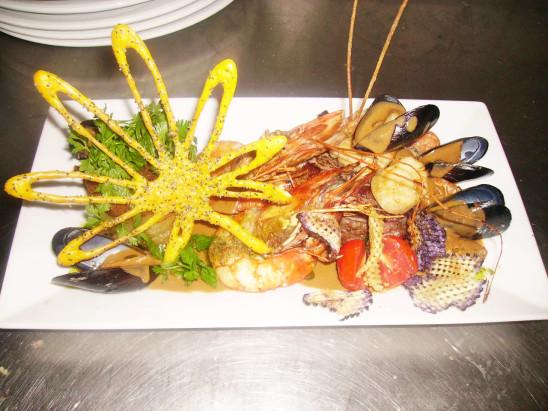 assisette de fruit de mer moules crevettes gambas persil