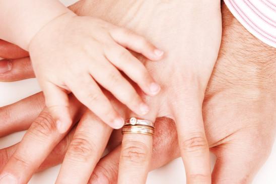 main adulte homme femme enfant bébé