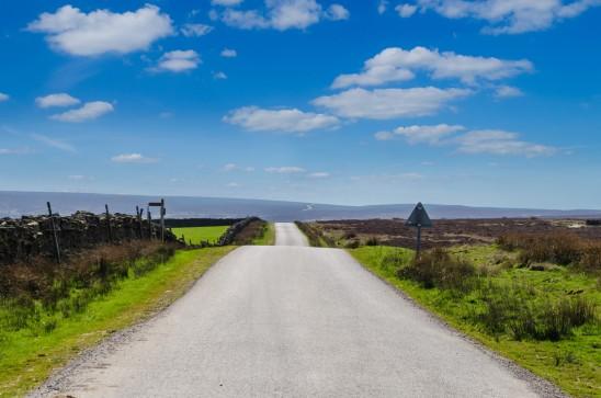 paysage campagne route déserte