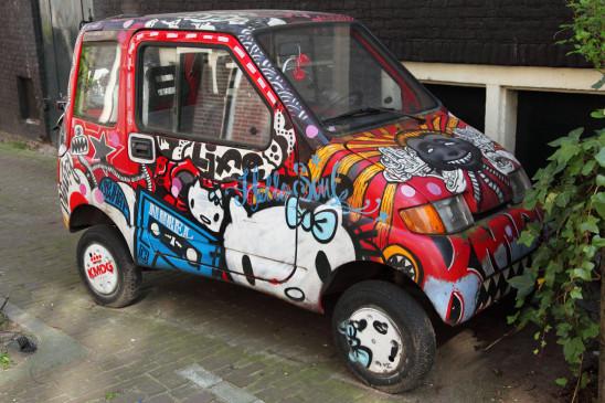 petite voiture graffitis