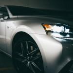 voiture grise métal