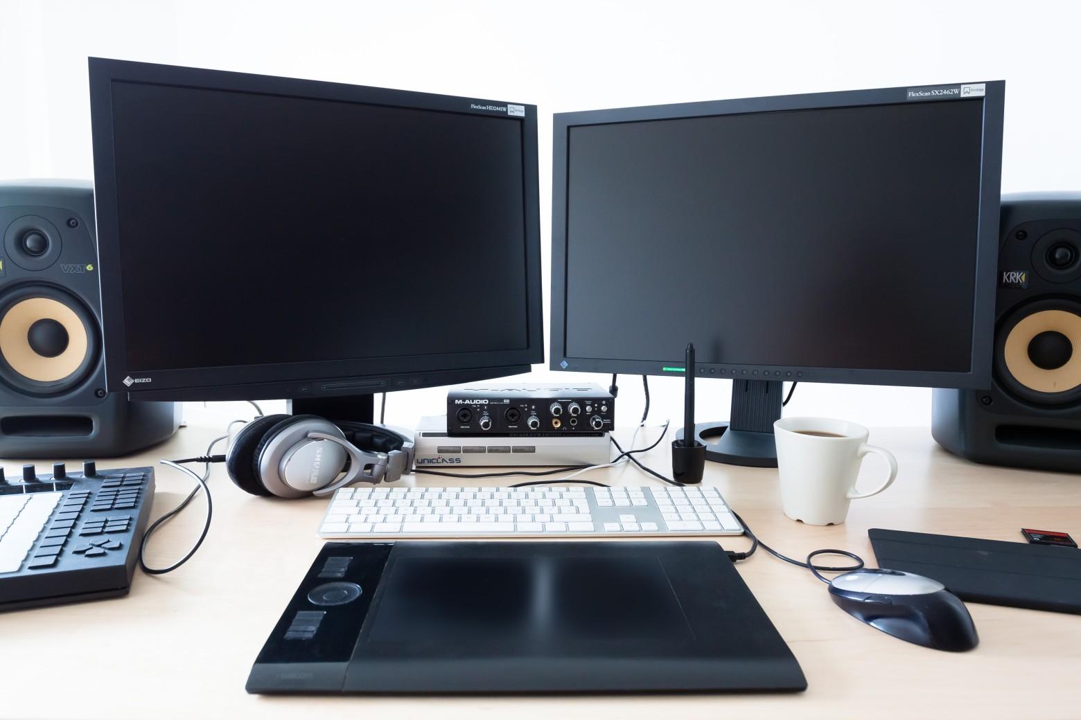bureau de travail ordinateur informatique images photos gratuites libres de droits images