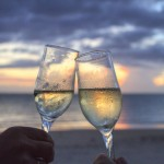 verre de vin coupe de champagne trinqué, trinquer soucher de soleil images photos gratuites