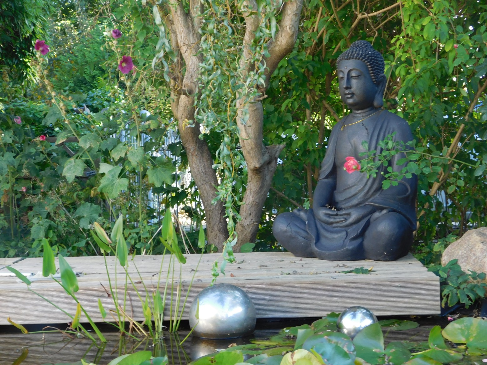 Jardin zen bouddha for Decoration jardin bouddha