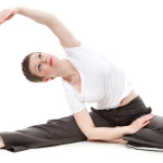 femme gymnastique aérobic étirement