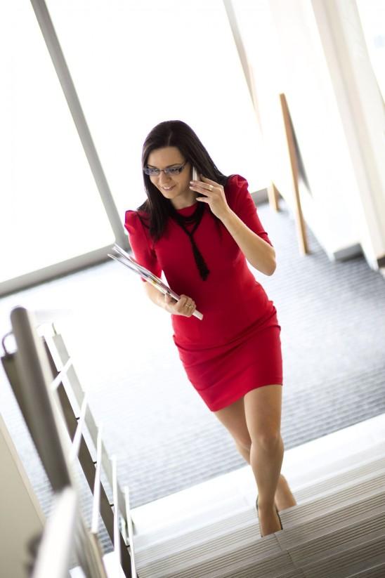 jeune femme d' affaire business bureau travail
