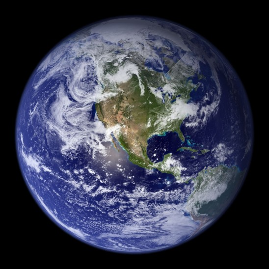 la planète terre isolé sur fond noir