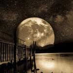 paysage lune lac en noir et blanc