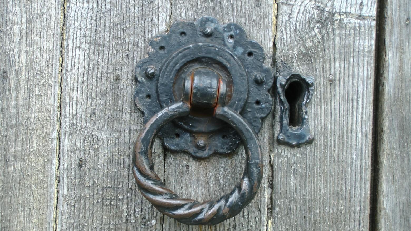 Poign e de porte en fer forg images gratuites et libres de droits for Poignee de porte forge