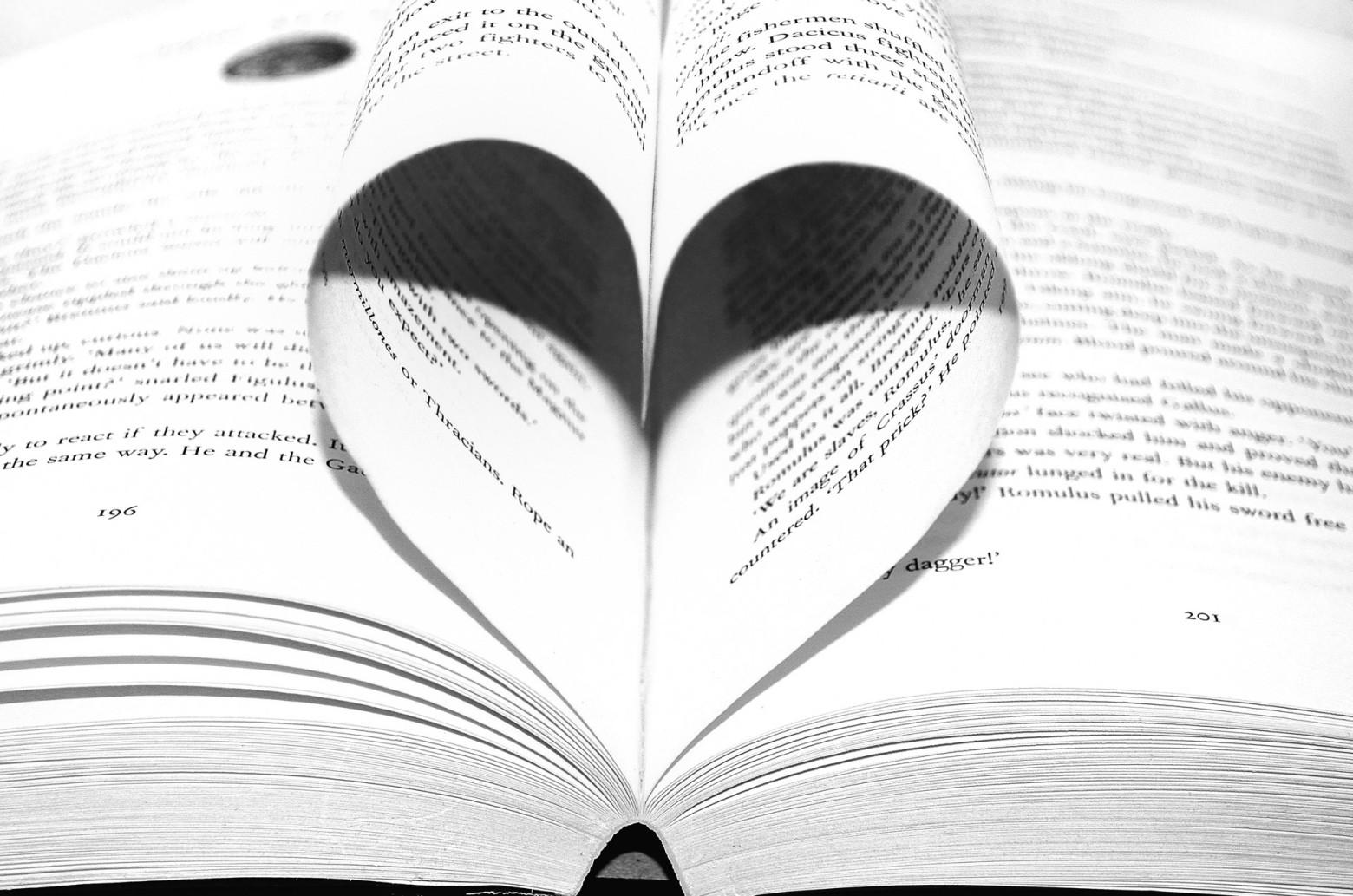 Livre Feuille Coeur Roman Images Gratuites Et Libres De Droits