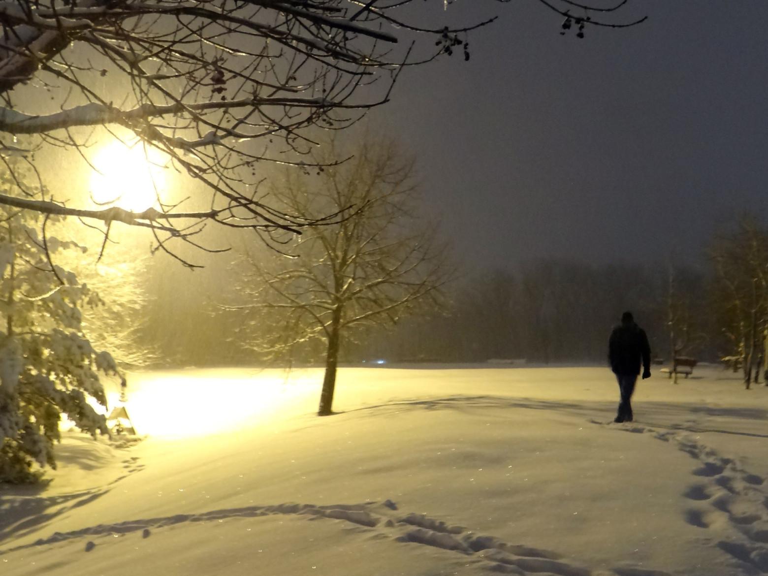 Marcher sous la neige images photos hd gratuites images - Photos de neige gratuites ...