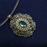 bijoux collier fantaisie mode fashion images photos libres de droits