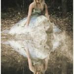 jeune fille mode beauté robe modèle posant nature forêt images photos gratuites