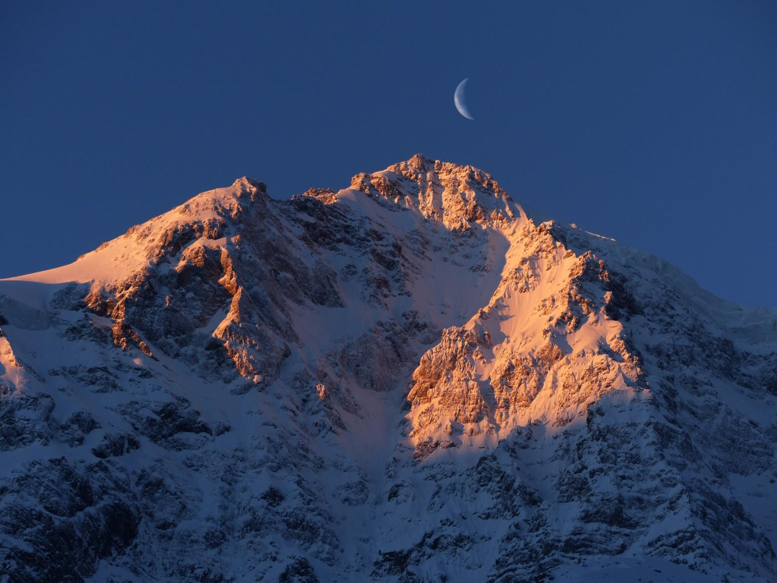 Montagne sous un coucher de soleil images photos gratuites libres de droits images gratuites - Photo coucher de soleil montagne ...