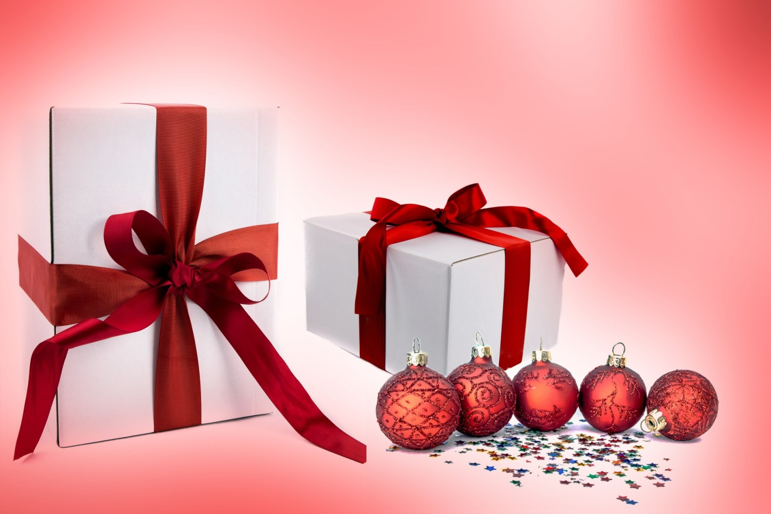 Decoration De Paquets Cadeaux paquet cadeau de noel boules décoration photos gratuites